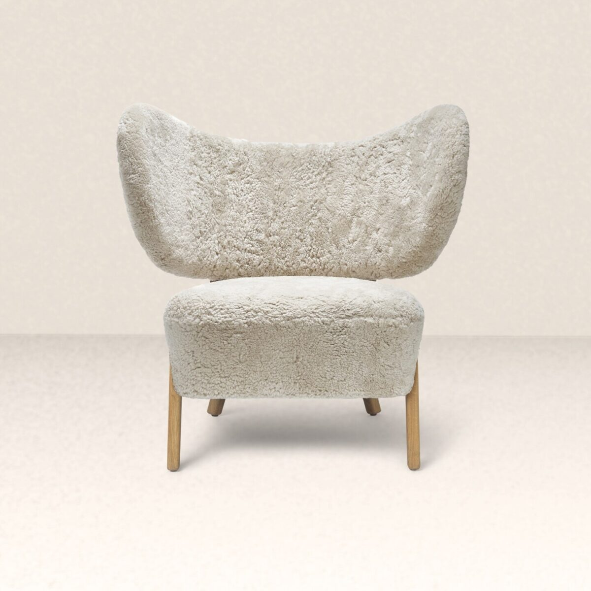 tmbo-lounge-chair-sheepskin-moonlight-1440x1440